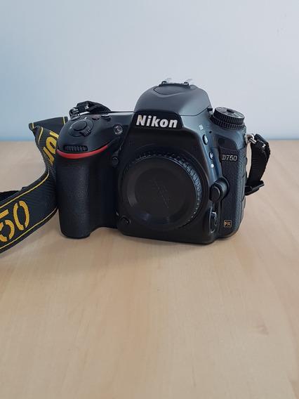 Nikon D750 Usada (só Corpo)