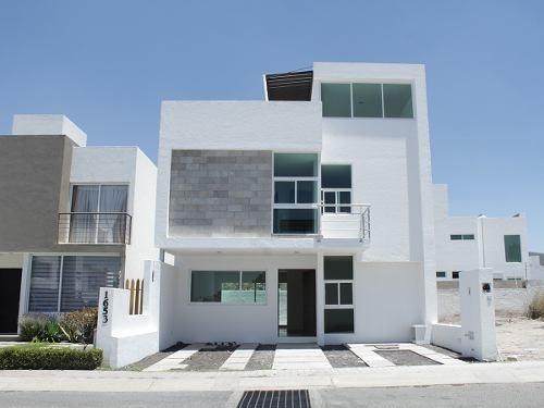 Excelente Residencia Venta En Querétaro (v)