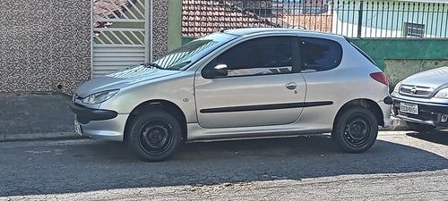 Imagem 1 de 8 de Peugeot 206 2005 1.4 Presence 3p