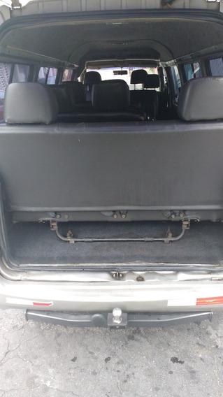 Uma Van H100 Gls Ano 2000