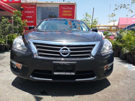 Nissan Altima Exclusive 2.5 2016