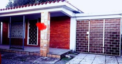 Hermoso Chalet Con Apartamento Independiente Al Fondo