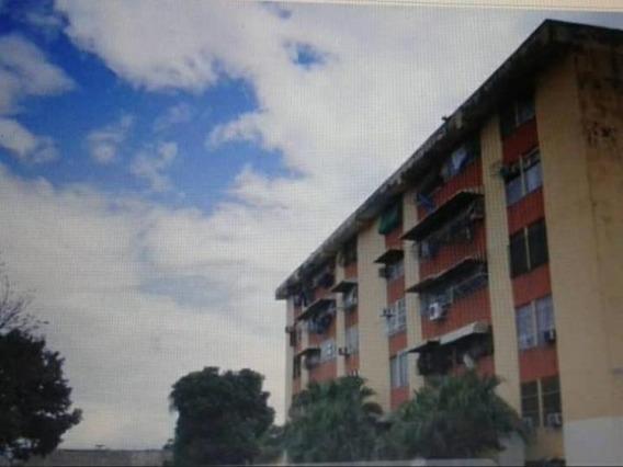 Apartamento Impecable En Residencias San Carlos Maracay 099