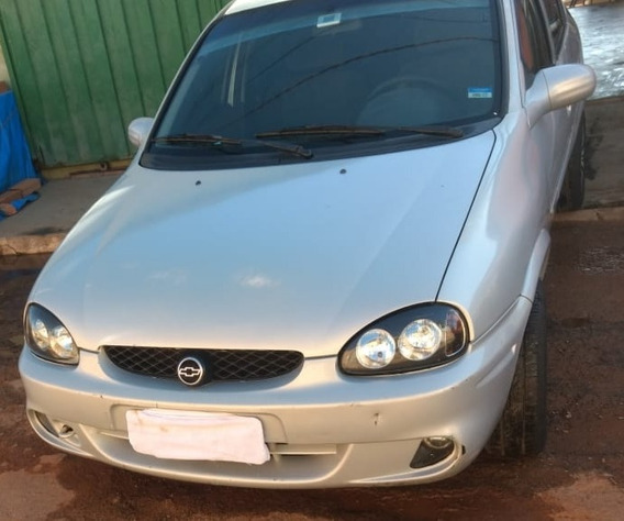 Chevrolet Corsa Sedan 2001 1.0 Super Milenium 4p