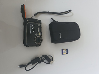 Cámara Fujifilm Xp200 16 Megapixeles, Memoria 4gb, Cargador