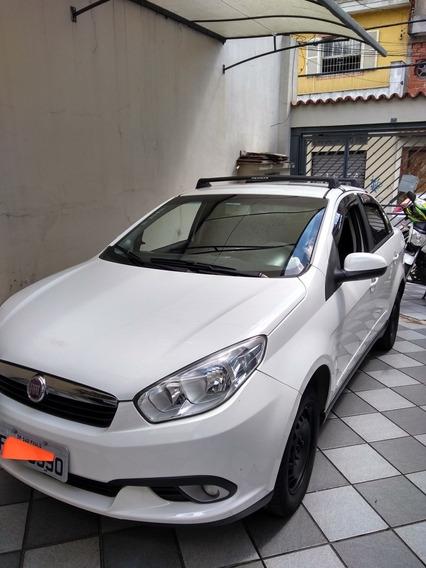 Fiat Grand Siena 1.4 Tetrafuel 4p Tetra-combustible 2014