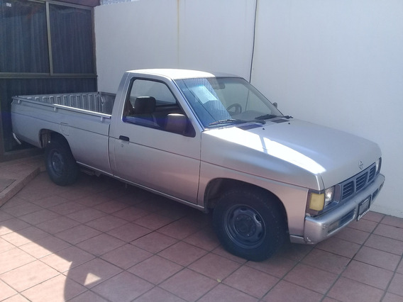 Nissan Pick Up Modelo 2003