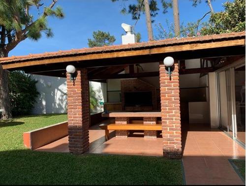 Vendo Casa De 4 Dorm , 4 Baños , Buen Terreno, Ref 696
