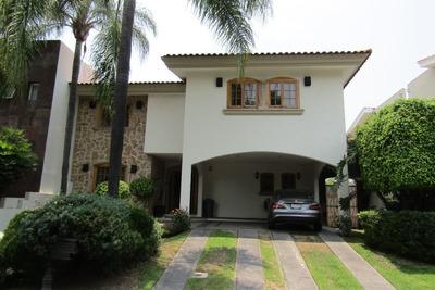 Casa En Venta En El Fracc. Puerta De Hierro En El Coto Catal