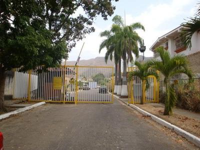 Vendo Bella Casa Con Vigilancia Privada En Las Chimeneas