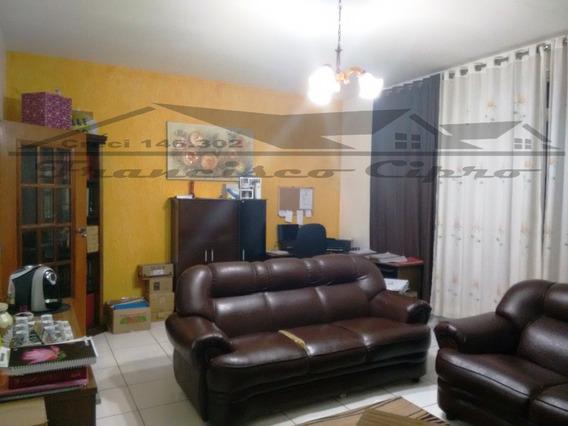 Casa A Venda No Bairro Vila Paraíba Em Guaratinguetá - Sp. - Cs144-1