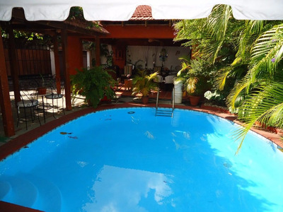 Casa En Bella Vista, Cerca De Av. Anacaona: Us$2,500