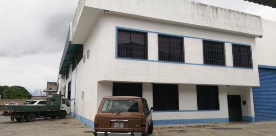Galpón En La Zona Industrial Municipal Norte. Wc