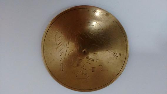 Porta Jóias Circular Em Bronze Com Flor Cinzelada Na Tampa