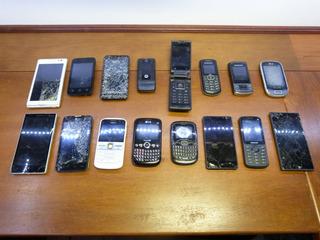 Smartphone Celular Com Defeito Para Retirar Peças Lote