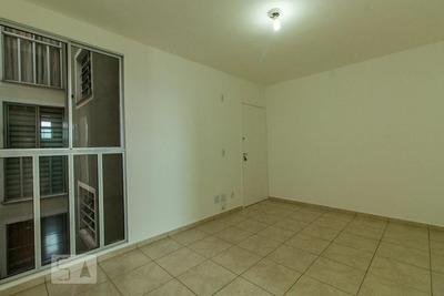 Apartamento No 2º Andar Com 2 Dormitórios E 1 Garagem - Id: 892893697 - 193697