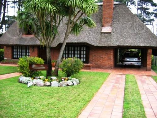 Punta Del Este, Pinares, 4 Dormitorios.- Ref: 2627