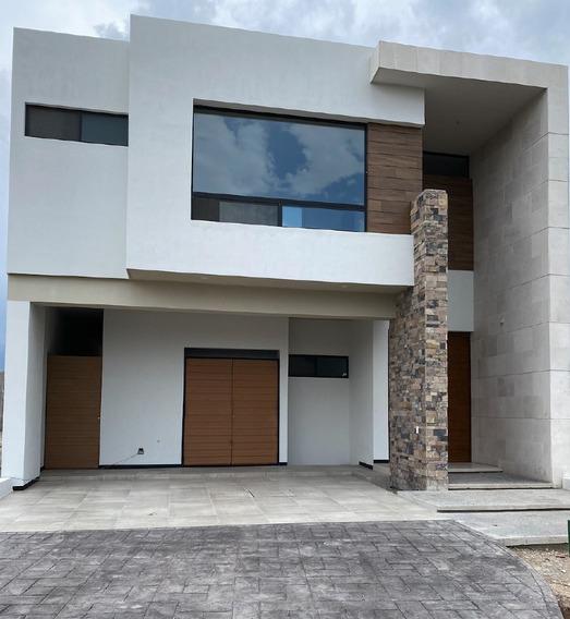 Casa En Venta En Frac Privado Al Norte De Saltillo