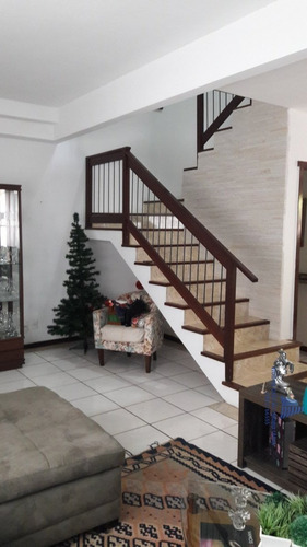 Casa A Venda No Bairro Golfe Em Teresópolis - Rj.  - Ca 0162-1