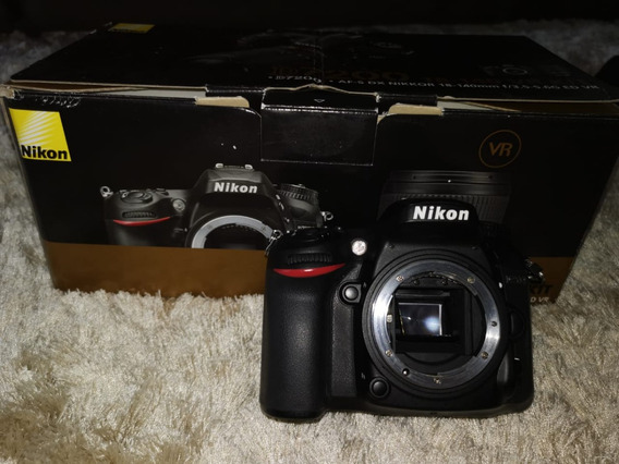 Câmera Digital Nikon Dslr D7200 - 24.2mp.( Usada ) - Com Lente Af-s Dx Nikkor 18-140mm F / 3.5-5.6g Ed Vr