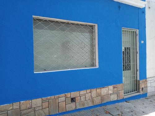 Imagen 1 de 10 de Casa 3 Dormitorios, Patio Cerrado, Pieza De Lavado Y Altillo