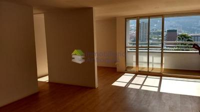 Apartamento En Arriendo En Bello - Madera