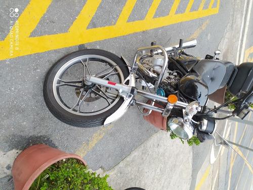 Moto Suzuki Intruder 125