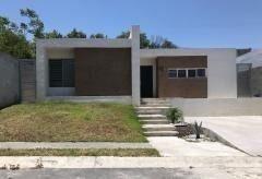 Casa En Venta Zona Carretera Nacional Bosques Residencial (vsc)