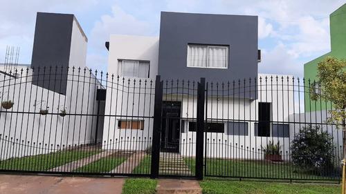 Casa Barrio Privado Alto Peru 3 Dormitorios