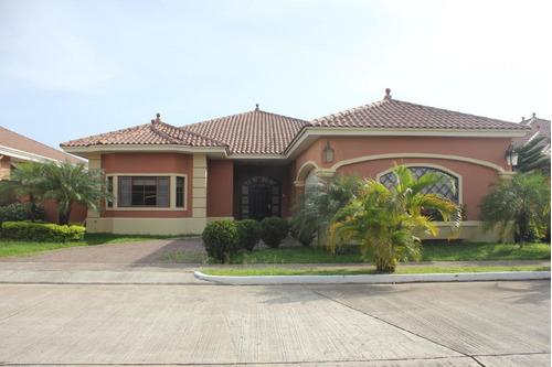 Venta De Casa Exclusiva En Sunset Coast, Costa Sur 20-6726