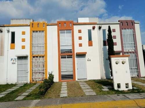 Casa En Renta Amueblada Dentro De Residencial En Zinacantepec