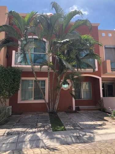 Casa En Renta Del Bosque 84 Quetzales, Residencial Torrecillas., 523