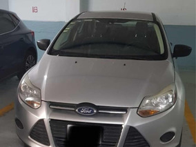 Ford Focus S At 2012