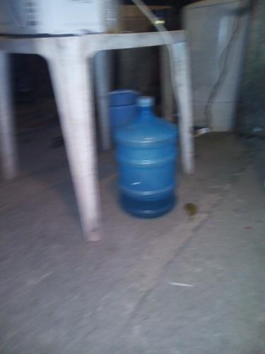 Imagem 1 de 1 de Galão Vazio De Água