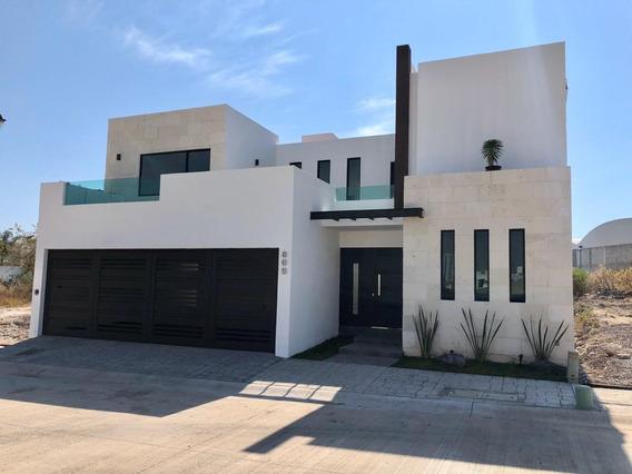 Casa Nueva En Cañada De Refugio Sur.