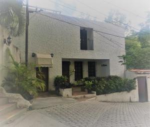 20-9205 Espectacular Casa Quinta En El Hatillo