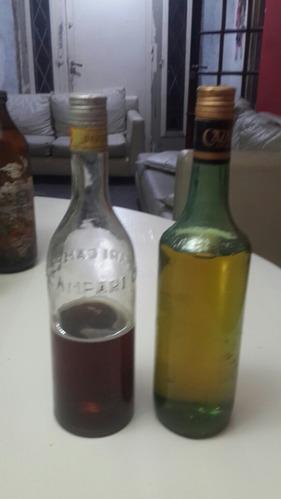 Antigua Botella De Licor Llena Campari Y Casalis Llenas