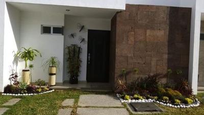 Bonita Casa En Renta En El Fraccionamiento Plaza Loreto
