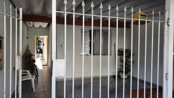 Casa Com Duas Moradia Frente E Fundos
