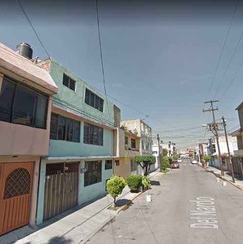 Casa Amplia En Los Reyes Ixtacala