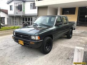 Toyota Hilux 2.4l Mt 2400cc 4x2