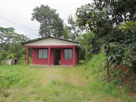 Casa Con Lote (210 Mtrs2) A La Venta