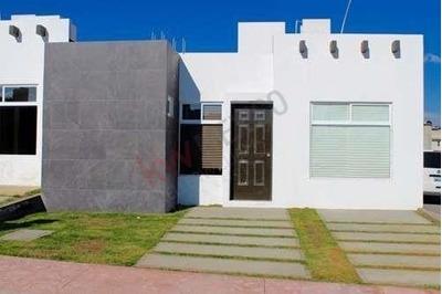 Casa Una Sola Planta En Pachuca Hidalgo Dentro De Fraccionamiento Privado