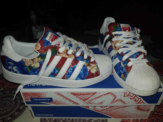 Zapatillas adidas Superstars Floreadas