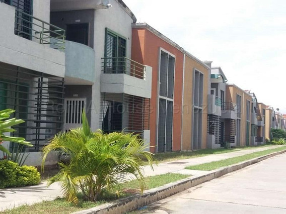 Townhouse En Paraparal 20-8026 Raga