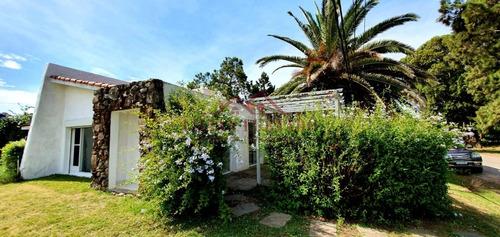 Casa En Primera Linea Sobre Ruta El Tesoro La Barra- Ref: 859