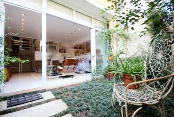 Casa Encantadora Em Condomínio Fechado Com Jardim Privativo! - Di35594
