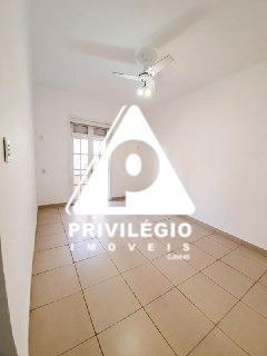 Casa De Rua À Venda, 13 Quartos, 6 Suítes, Copacabana - Rio De Janeiro/rj - 7488