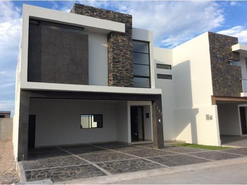 Imagen 1 de 3 de Casa Sola En Venta Los Viñedos