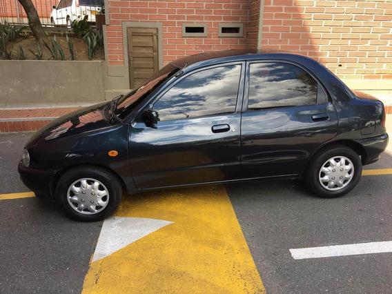 Mazda 121 Modelo 1998